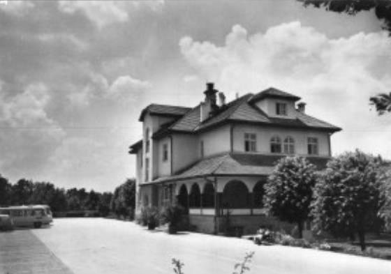 Crno bela slika hotela Oplenac neposredno nakon izgradnje 1933