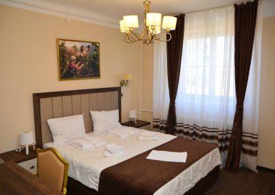 Izgled sobe sa bračnim krevetom