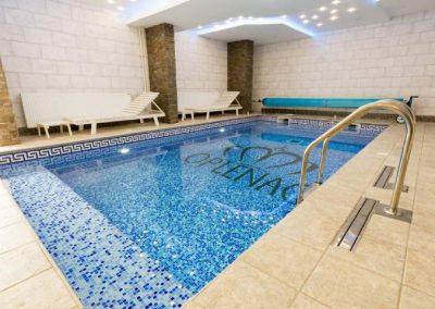 Zatvoren bazen u hotelu oplenac