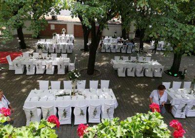 Organizacija venčanja u letnjoj bašti hotela oplenac